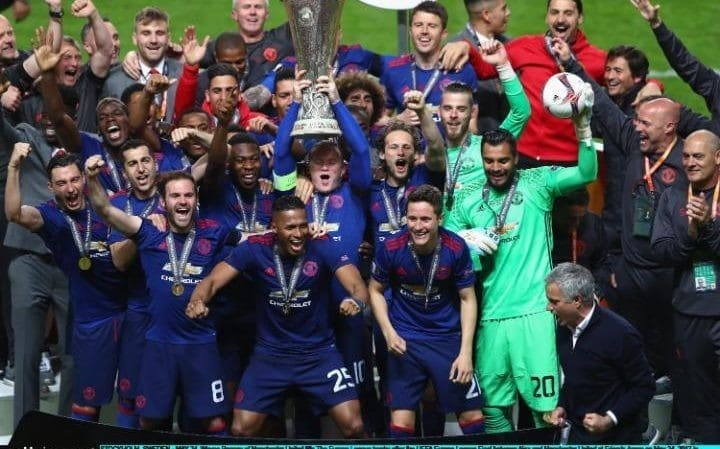 Манчестър Юнайтед отново на върха!!!